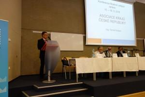 16 Na konferenci vystoupili zástupci organiazcí územních samospráv
