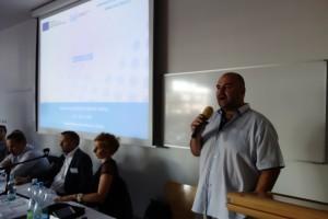 18 Ředitel odboru kybernetické bezpečnosti a koordinace ICT Miroslav Tůma odpovídal na dotazy ohledně kyberbezpečnosti