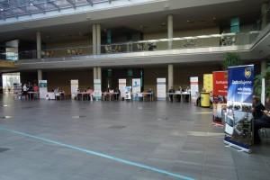 29 Pro účastníky byly připraveny informační stánky